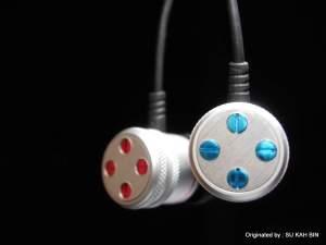 4 Dots design