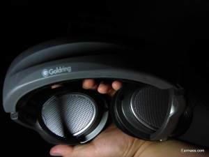 DR150 is actually very light and this is one of the reason why this is a comfortable headphone. Oddly,despite of its feather weight,it is quite big in size.