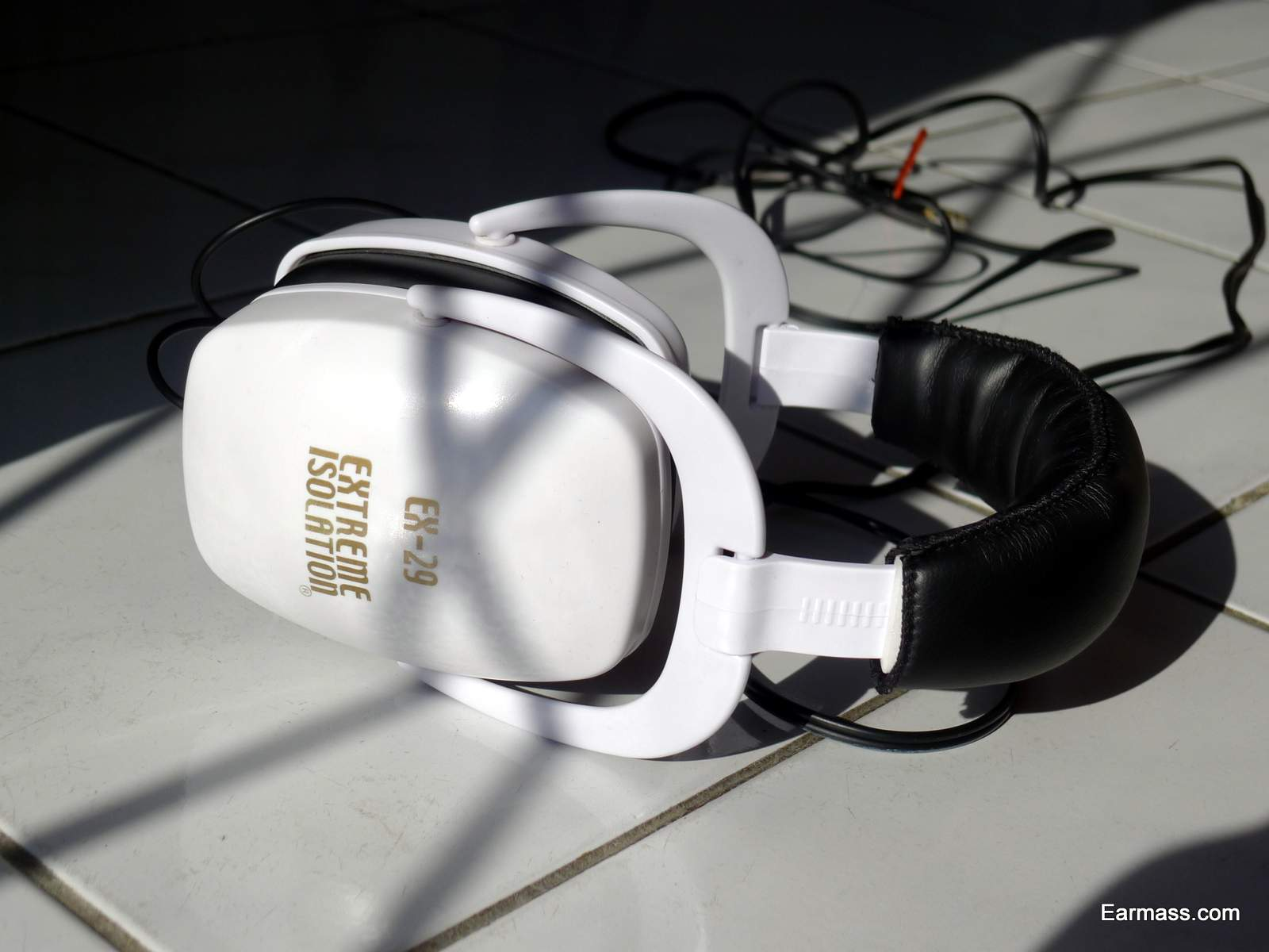 Isolation headphones